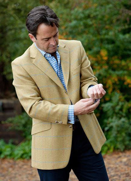 Bladen, Limited Edition Tweed Sherringham Jacket. Archie knows intuitvely what will work.