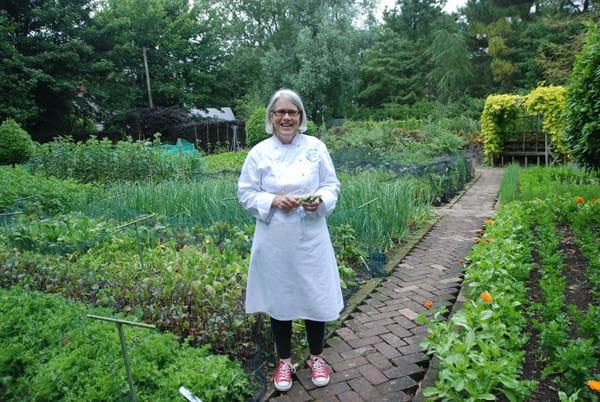 Darina in veg garden (2)