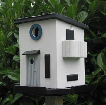 Bauhuas Birdhouse