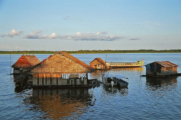 floating houses amazon