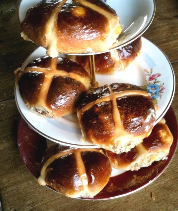 lesley anne ascrofts hot cross buns 2