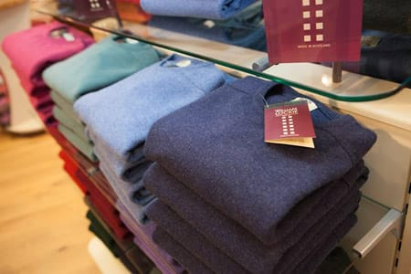 William Lockie Cashmere made with fibres that are a minimum of 34mm in length and a maximum thickness of 16.5 micron.