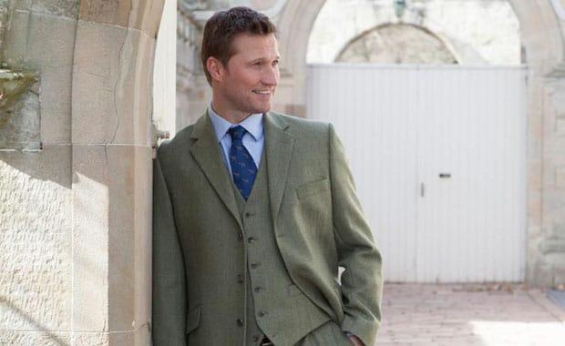 What to Wear to Cheltenham in November – Men