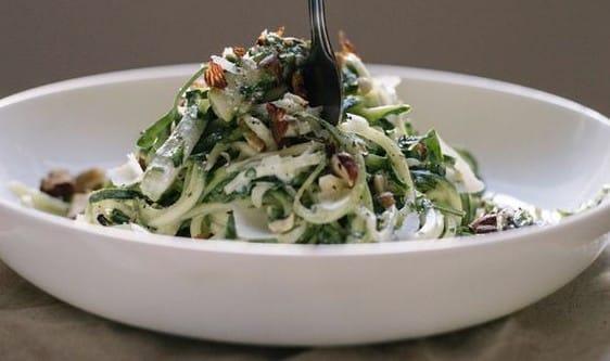 primavera courgetti salad