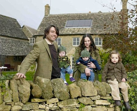 Alex James with his family. Image source: Pinterest.