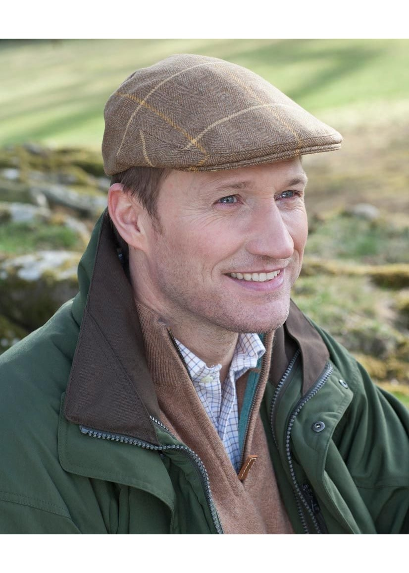 A Hume Crailing Tofts Tweed Cap Large Image
